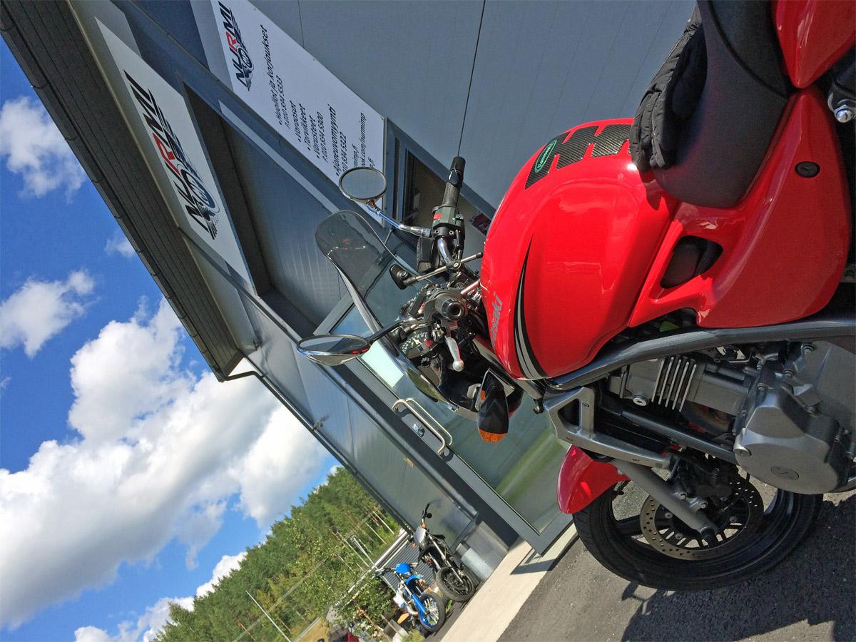 Moottoripyörän talvisäilytys sekä huolto- ja myyntipohdintaa