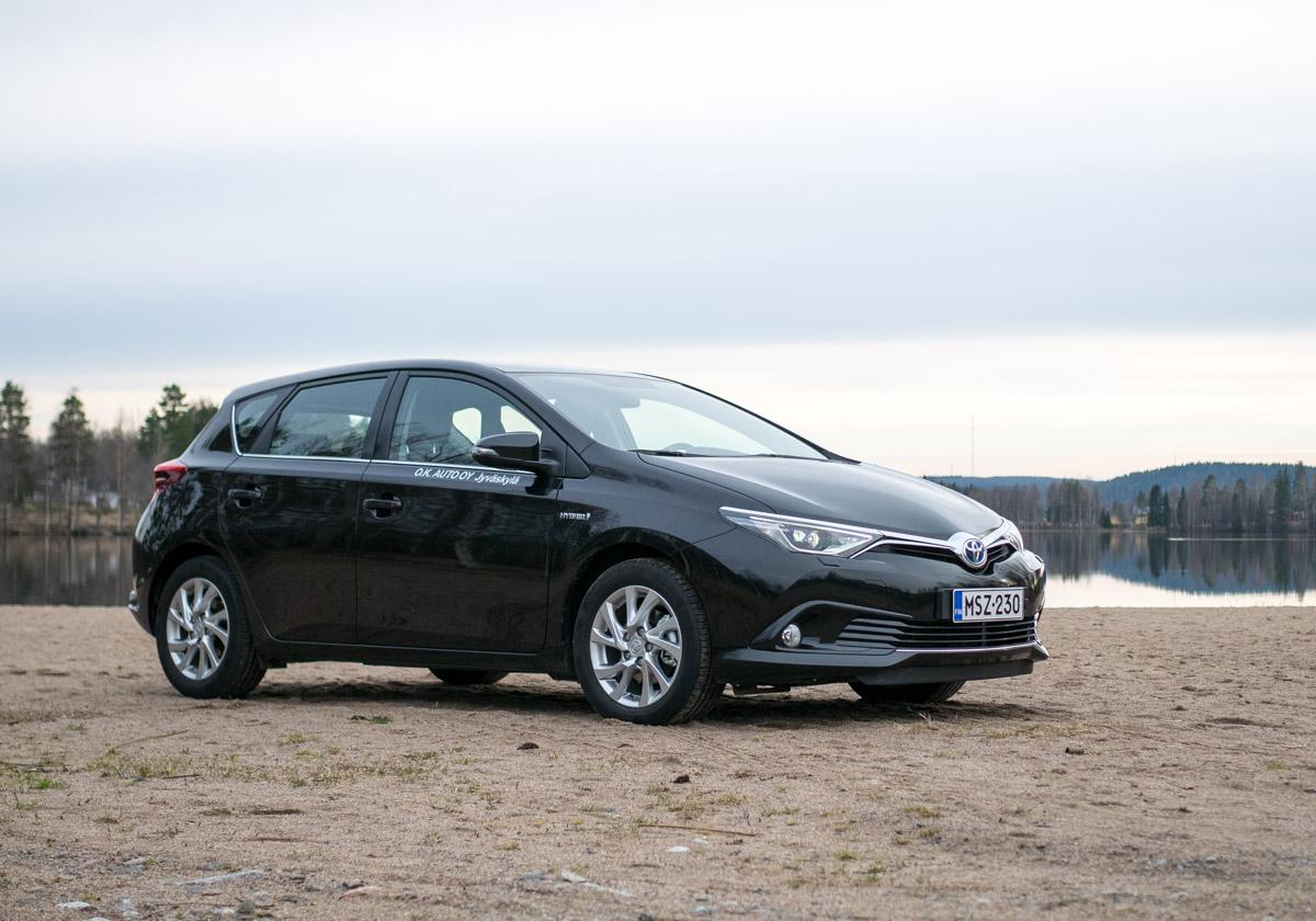 Toyota auris hybrid keskustelu