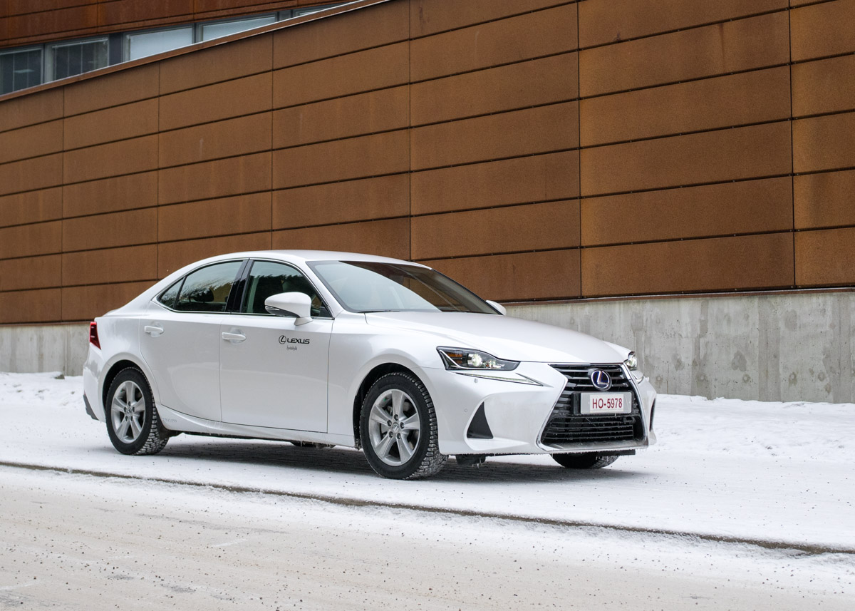 Lexus IS 300 h