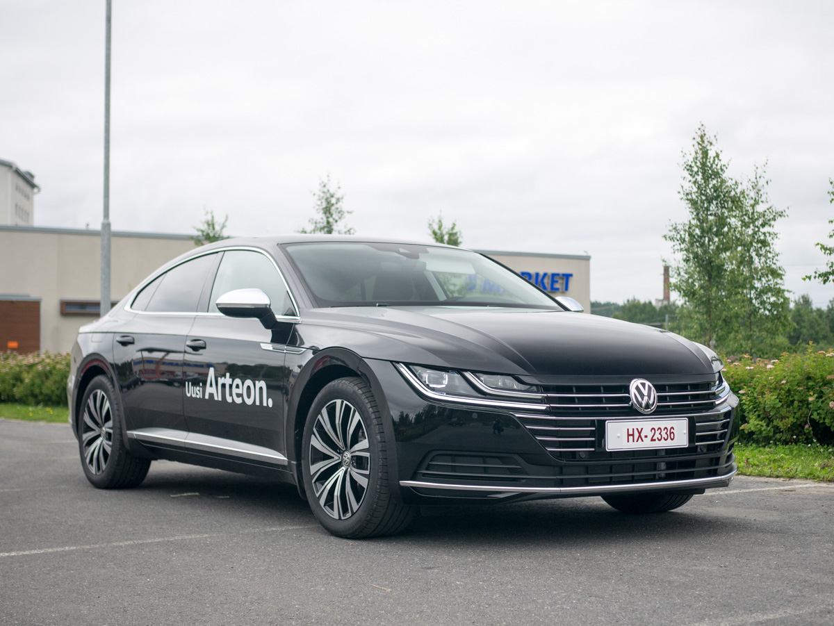 Pikaisessa koeajossa Volkswagen Arteon ja ennakoiva adaptiivinen vakionopeussäädin