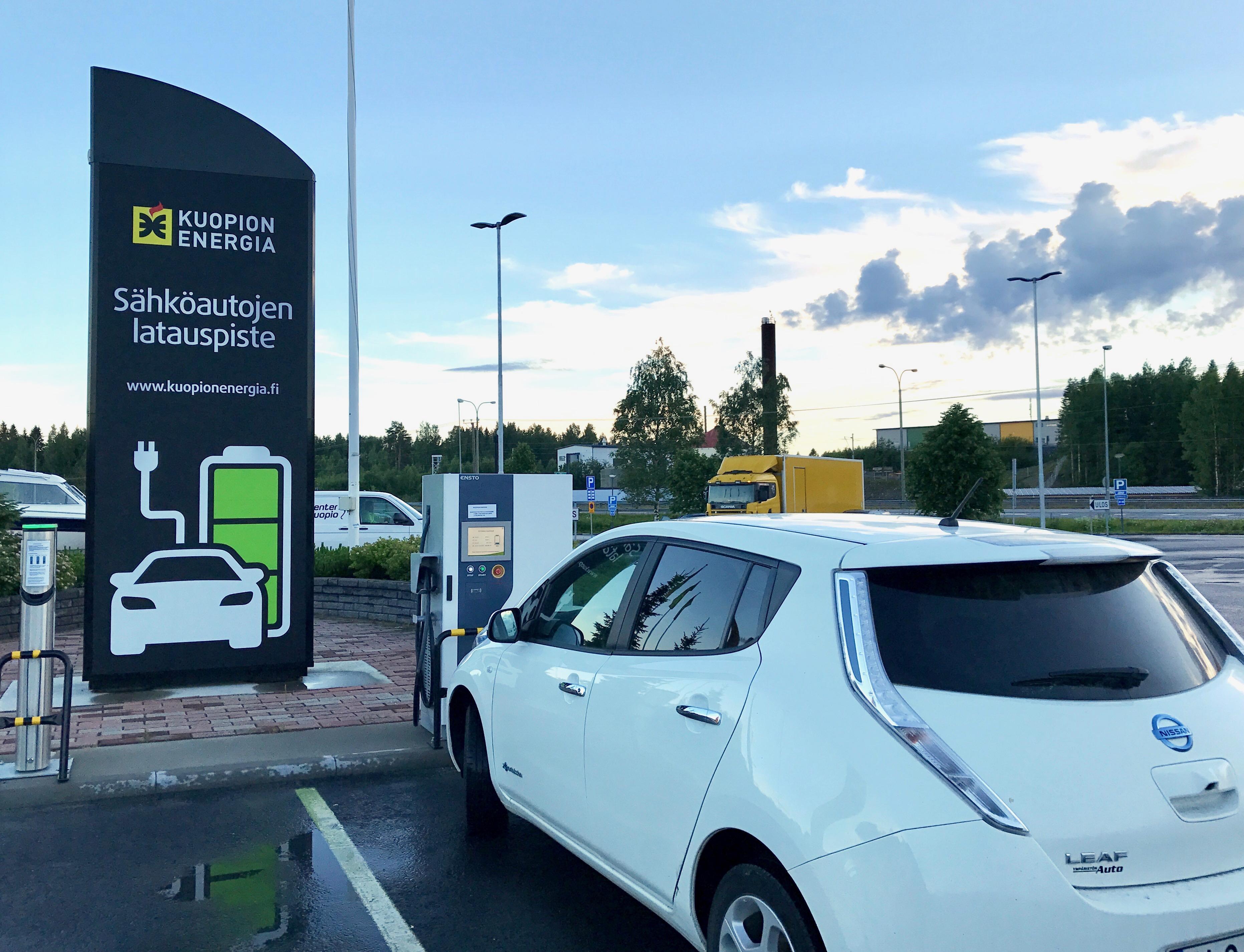 Sähköautomatkailua Itä-Suomessa sähköauto Nissan Leafilla