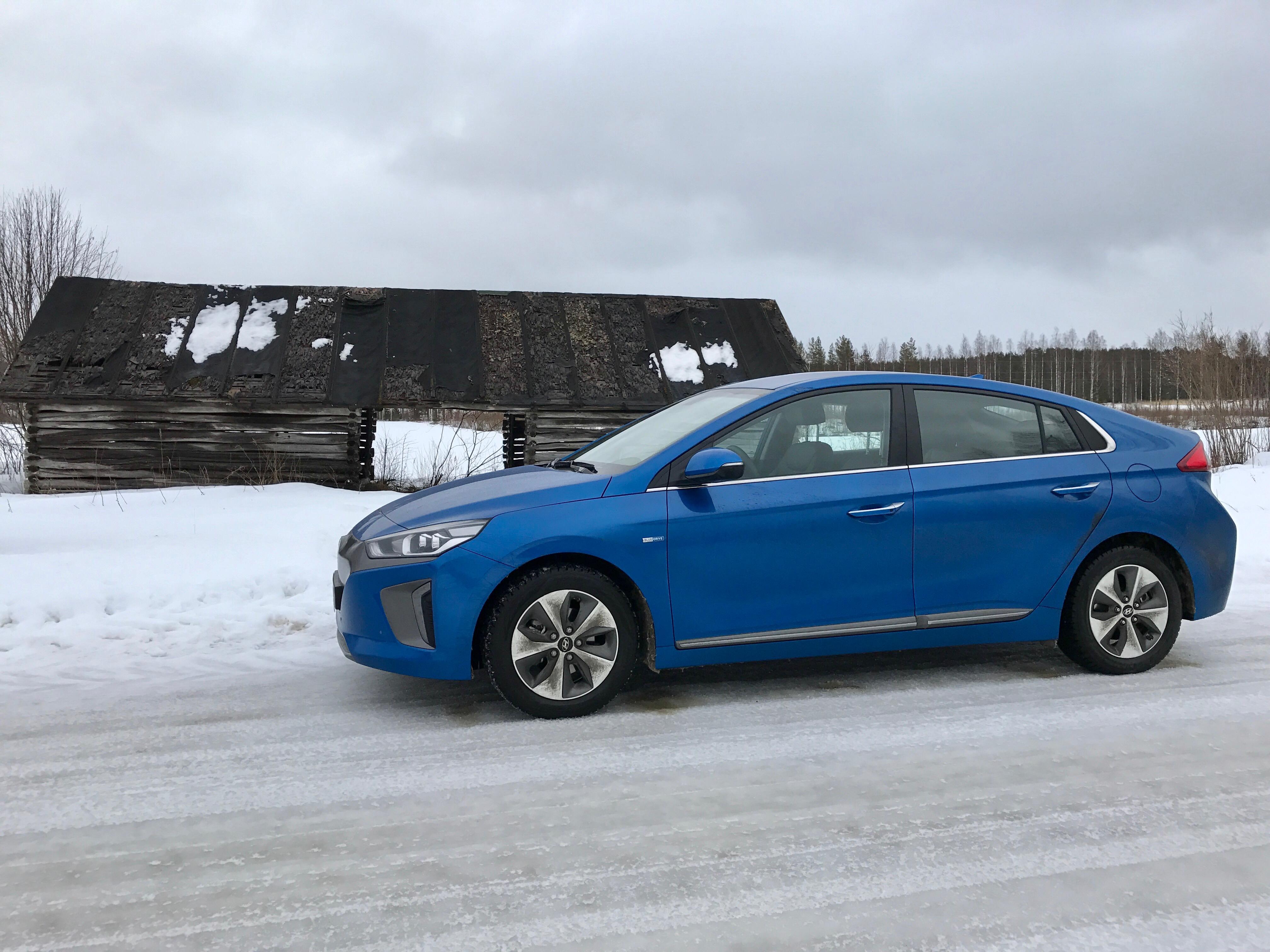 Talvella mökkeilemään sähköauto Hyundai Ioniqilla, 280 km matkatarina