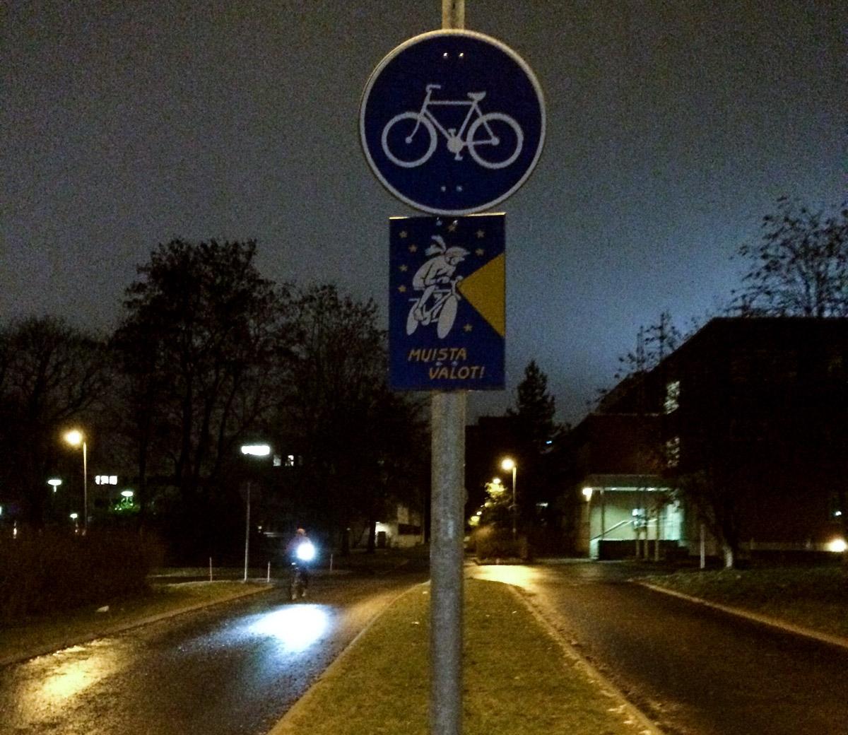 Polkupyörän valot - miten niitä käytetään oikein?