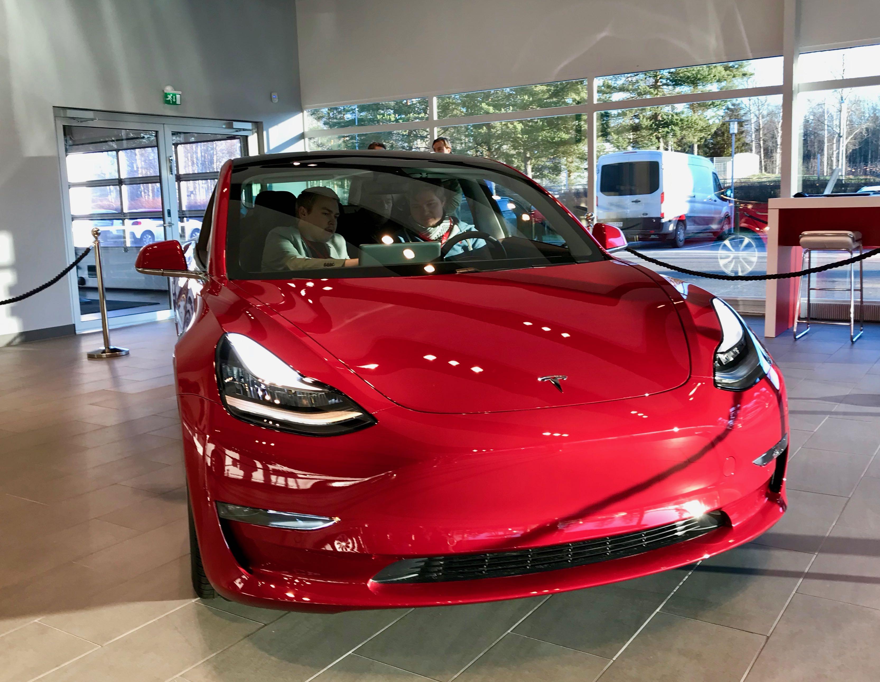 Tesla Model 3 kylmätyypit Vetokujalla