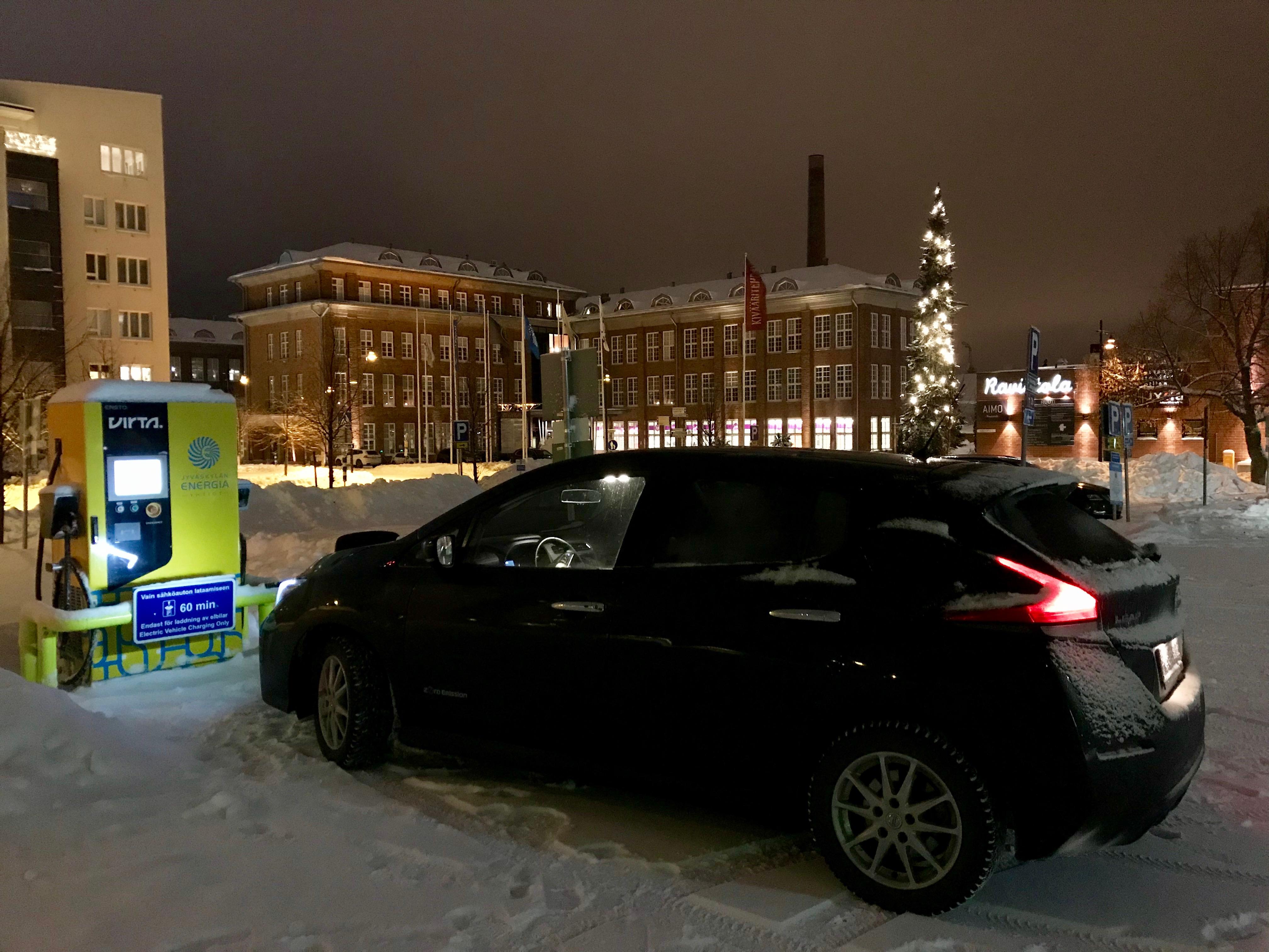 IS koeajoi: Toyota iQ on iSo kaupunkiauto