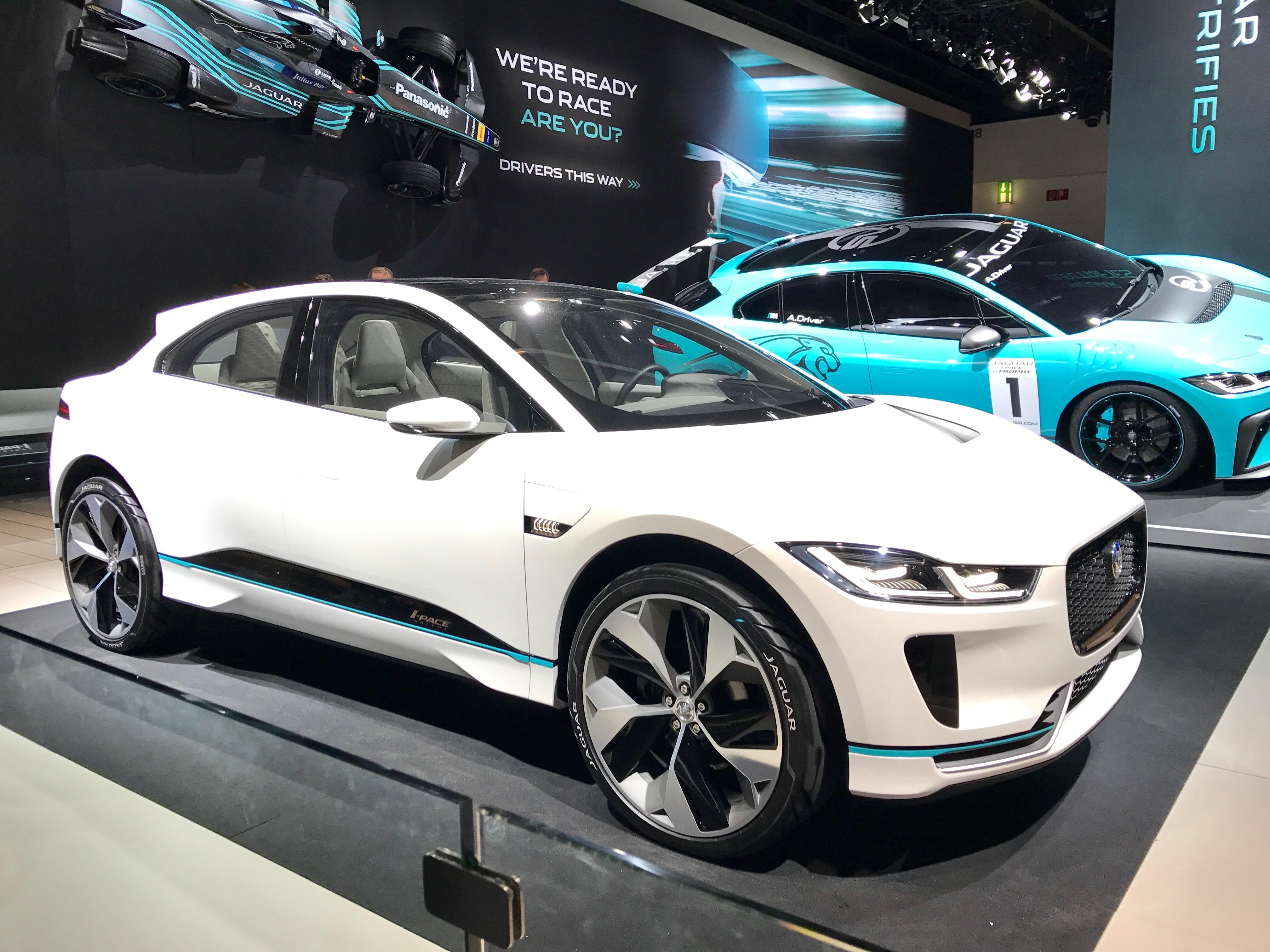 Jaguar I-PACE oli esillä Frankfurtin IAA2017 messuilla