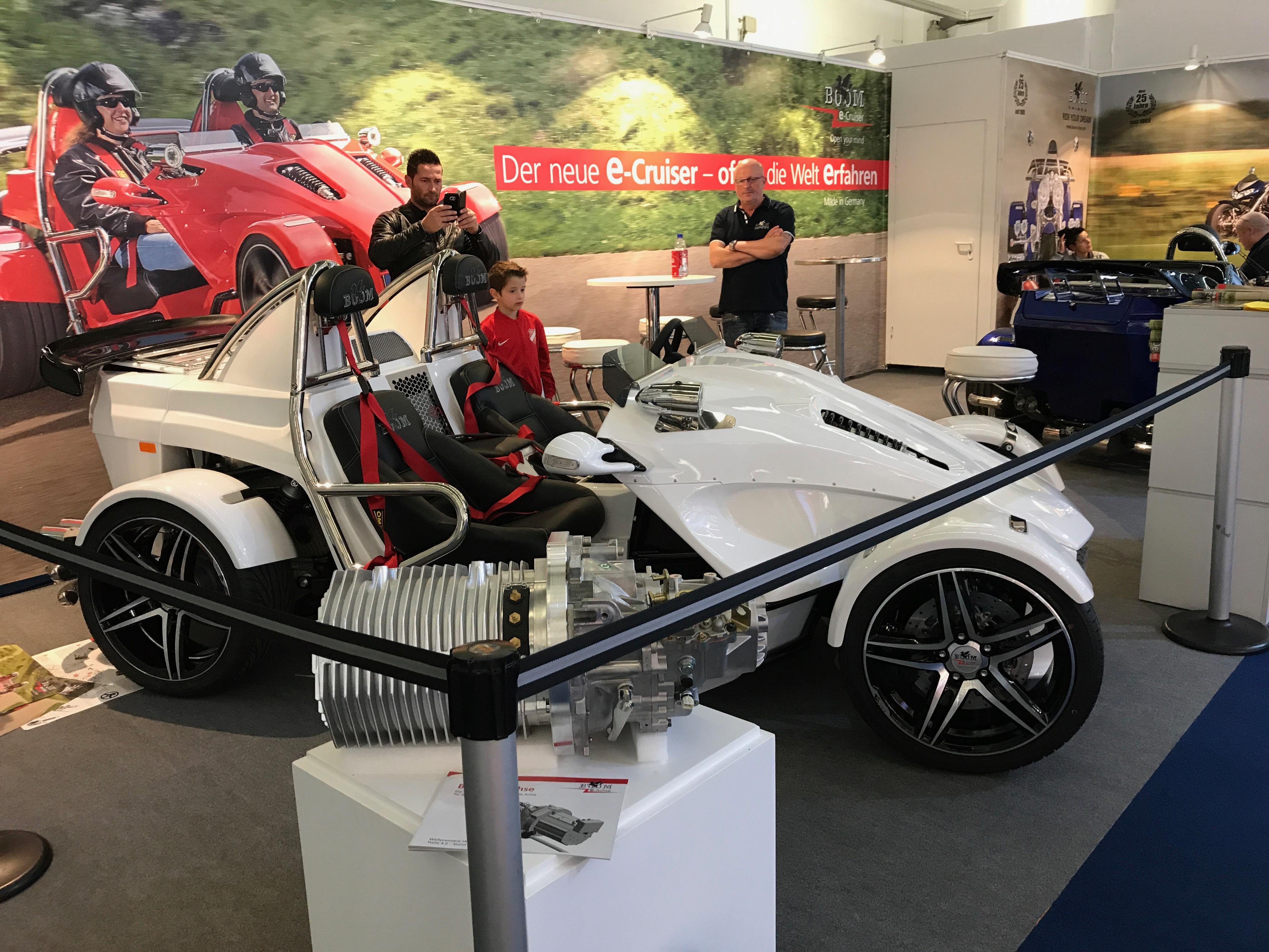 Boom e-Cruiser esillä Frankfurtin IAA2017 messuilla