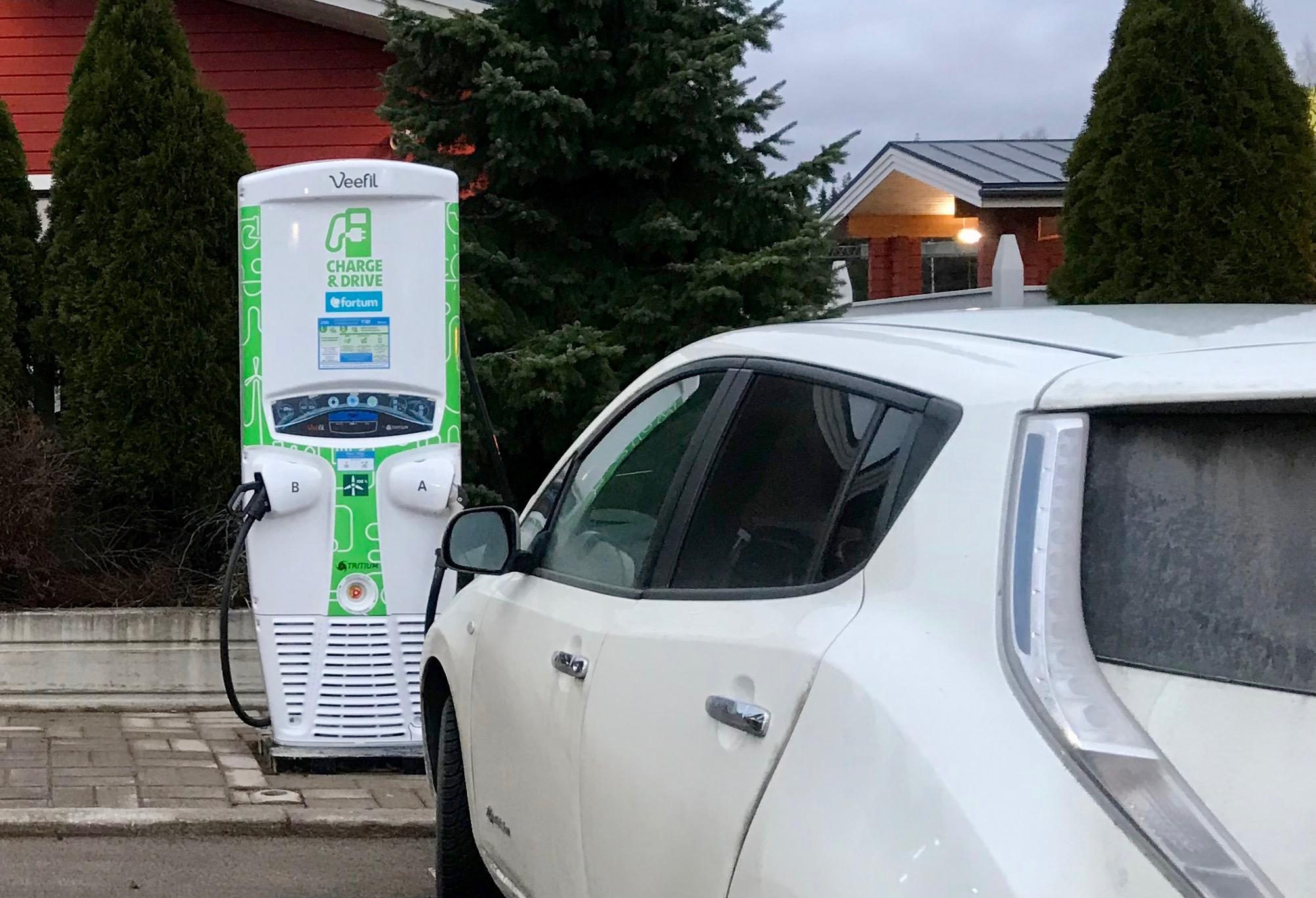Sähköautotie Tampereelta Jyväskylään on vihdoin avattu!