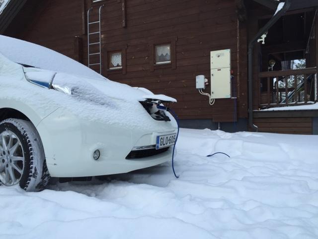 Nissan Leaf -sähköautolla Kangasalta hiihtoloman viettoonViitasaarelle:matkatarina