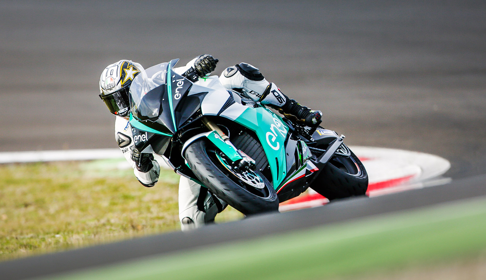 Moto GP:n rinnalle tulevaan Moto-e -luokkaan Energican sähkömoottoripyörät