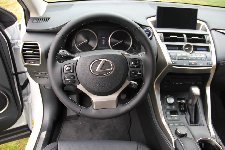 Lexus nx maavara