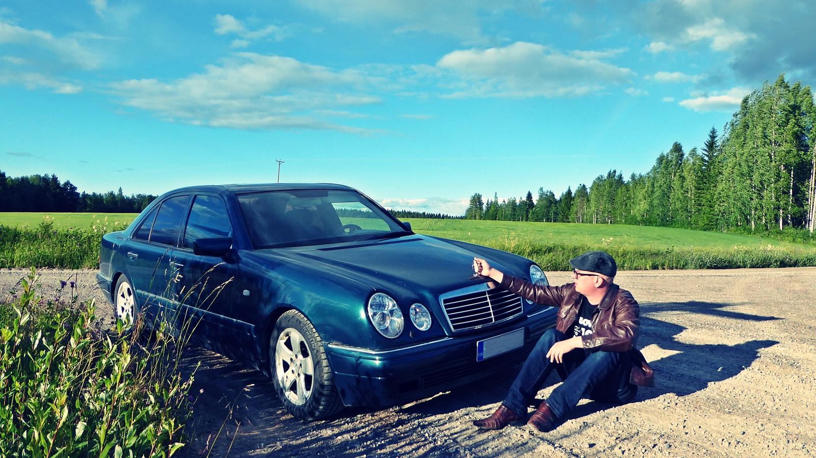 Esittelyssä Mercedes-Benz E230 - Pelto-Väyrynen